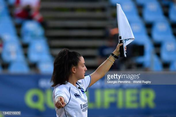Referee gestures during the Rugby World Cup 2021 Europe Qualifying match between Spain and Ireland at Stadio Sergio Lanfranchi on September 13, 2021...