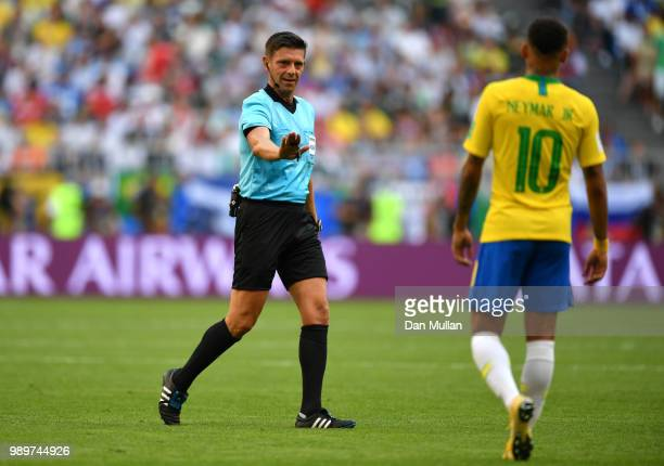 Referee Gianluca Rocchi talks to Neymar Jr of Brazil during the 2018 FIFA World Cup Russia Round of 16 match between Brazil and Mexico at Samara...