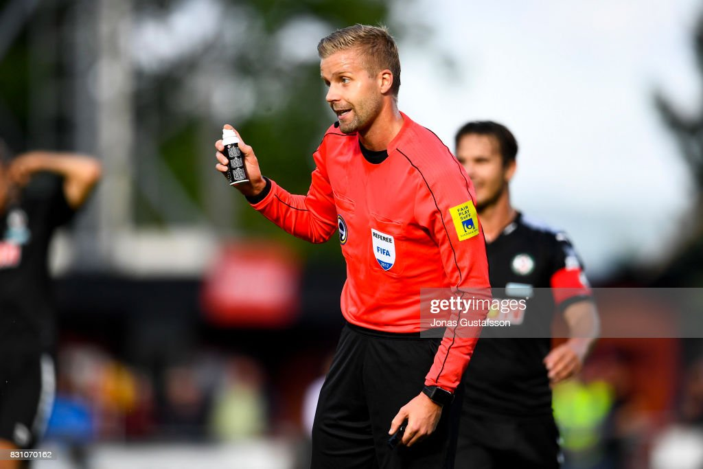referee Glenn Nyberg react during the Allsvenskan match between Jonkopings Sodra IF and Orebro SK at Stadsparksvallen on August 13, 2017 in Jonkoping, Sweden.