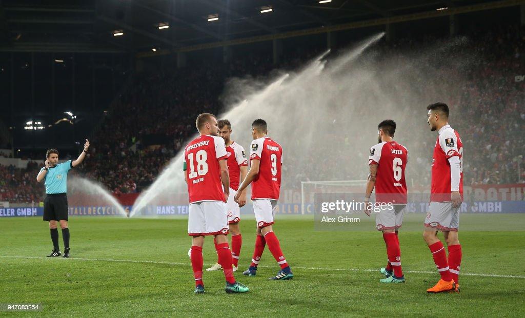 1. FSV Mainz 05 v Sport-Club Freiburg - Bundesliga : News Photo