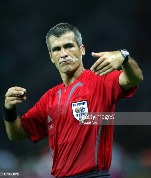 Referee Horacio Elizondo in action during the FIFA World Cup Final between Italy and France at the Olympic Stadium in Berlin on July 9th 2006 Italy...