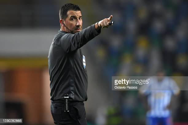 Referee Hugo Miguel during the Portuguese Super Cup match between FC Porto and SL Benfica at Estadio Municipal de Aveiro on December 23, 2020 in...