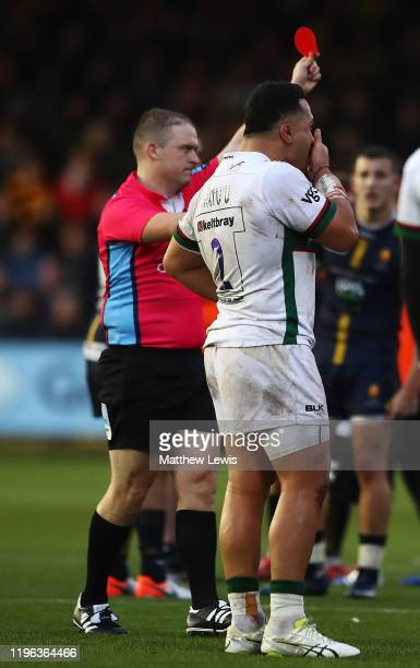 Referee Ian Tempest sends off Motu Matu'u of London Irish , after a tackle of Duncan Weir of Worcester Warriors during the Gallagher Premiership...