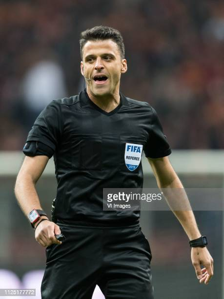 referee Jesus Gil Manzano during the UEFA Europa League round of 32 match between Galatasaray SK and SL Benfica at Ali Sami Yen Spor Kompleksi on...
