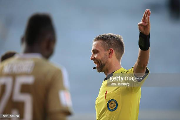 Referee Johan Hamlin during the Allsvenskan match between Helsingborgs IF and Ostersunds FK at Olympia on May 18 2016 in Helsingborg Sweden