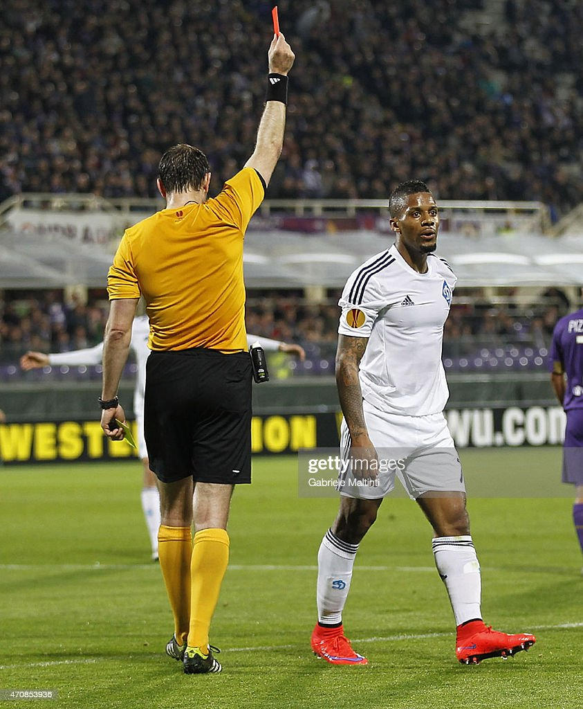 Referee Jonas Eriksson shows the red card to Jeremain Lens of FC Dynamo Kyiv during the UEFA Europa League Quarter Final match between ACF Fiorentina and FC Dynamo Kyiv on April 23, 2015 in Florence, Italy.