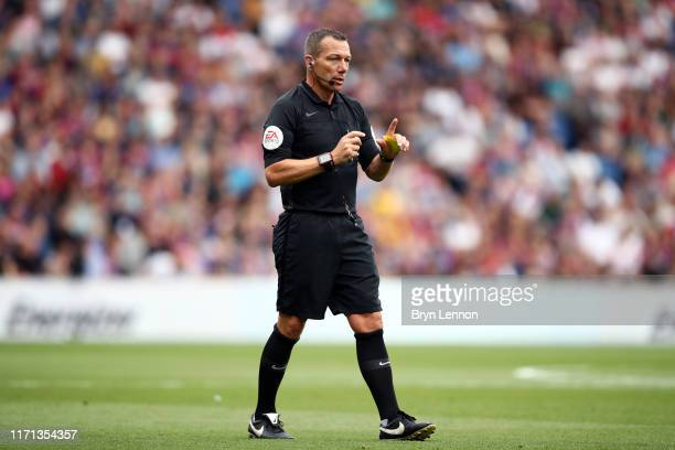 Referee Kevin Friend in action during the Premier League match between Crystal Palace and Aston Villa at Selhurst Park on August 31, 2019 in London,...