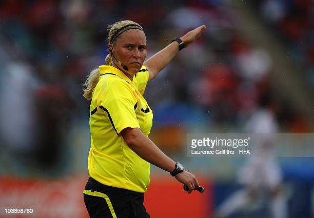 Referee Kirsi Heikkinen during the FIFA U17 Women's World Cup match between Nigeria and North Korea at the Hasley Crawford Stadium on September 5...