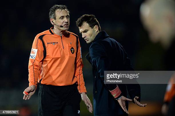 referee Luc Wouters gives head coach Ivan Leko of OH Leuven a warning during the Jupiler League match between K Lierse SK and Oud Heverlee Leuven on...