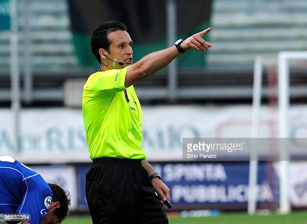 Referee Luca Banti gestures during the Serie B match between Calcio Padova and US Sassuolo Calcio at Stadio Euganeo on May 1 2010 in Padova Italy