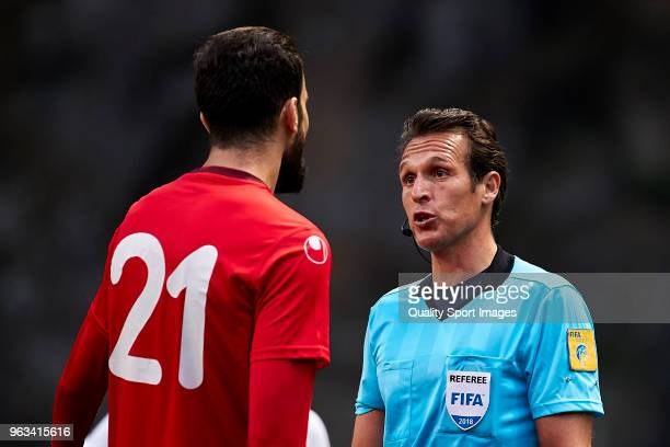 Referee Luca Banti of Italy talks with Hamdi Nagguez of Tunisia during the friendly match of preparation for FIFA 2018 World Cup between Portugal and...