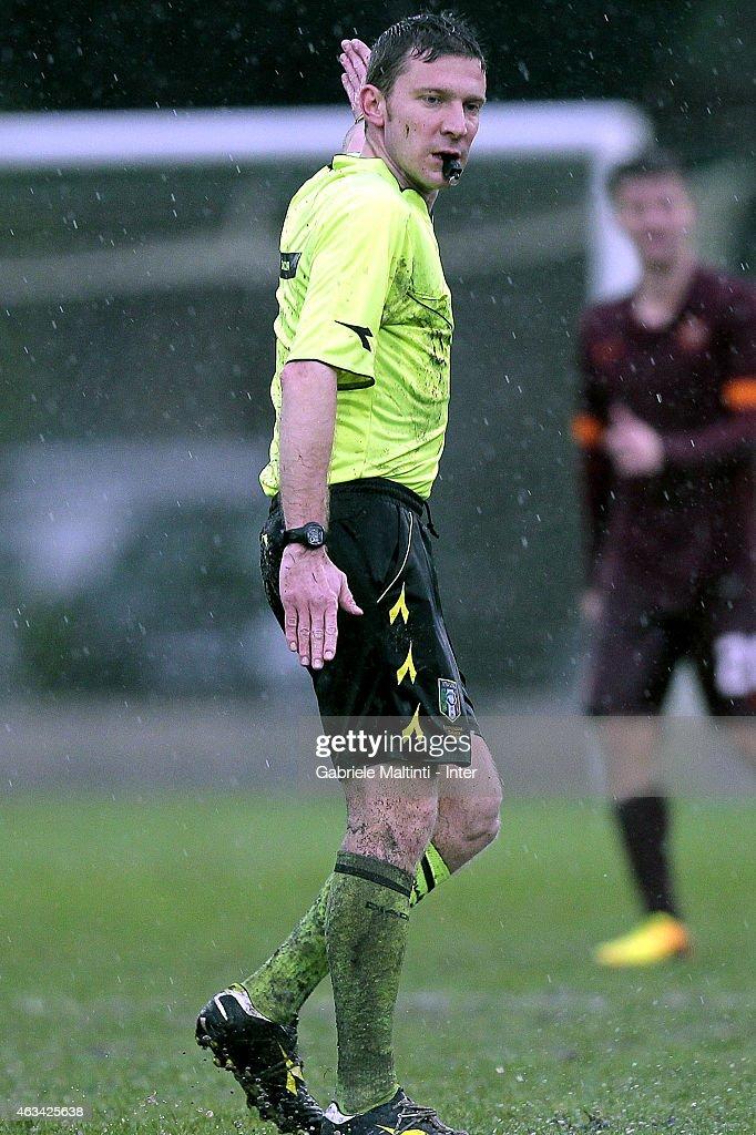 Referee Marco Serra During The Viareggio Juvenile Tournament Match