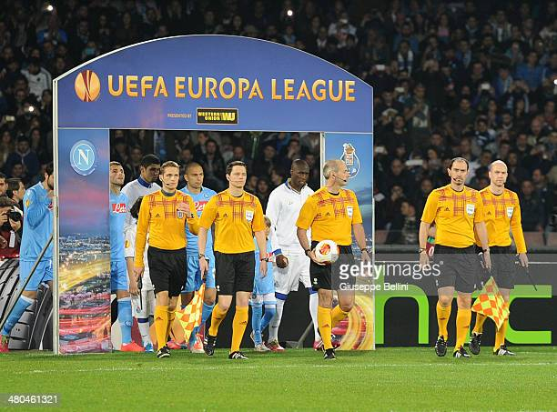 Referee Martin Atkinson before the UEFA Europa League Round of 16 match between SSC Napoli and FC Porto at Stadio San Paolo on March 20 2014 in...