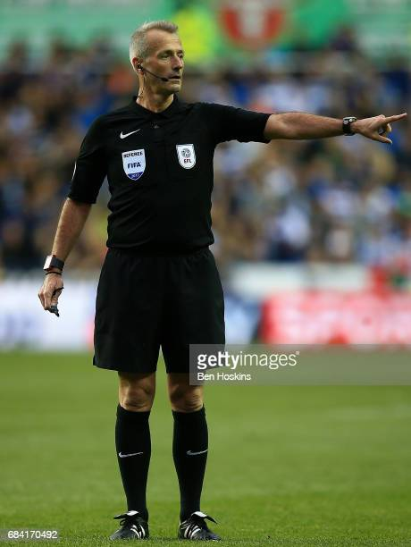 Referee Martin Atkinson in action during the Sky Bet Championship Play Off Second Leg match between Reading and Fulham at Madejski Stadium on May 16...