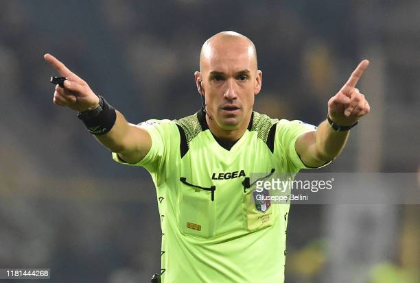 Referee Michael Fabbri during the Serie A match between Parma Calcio and AS Roma at Stadio Ennio Tardini on November 10, 2019 in Parma, Italy.