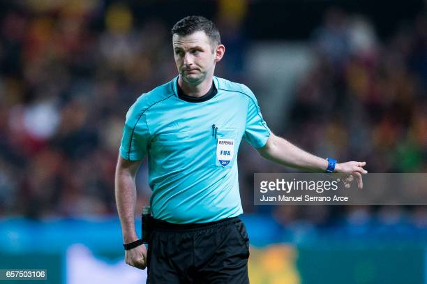 Referee Michael Oliver reacts during the FIFA 2018 World Cup Qualifier between Spain and Israel at Estadio El Molinon on March 24 2017 in Gijon Spain