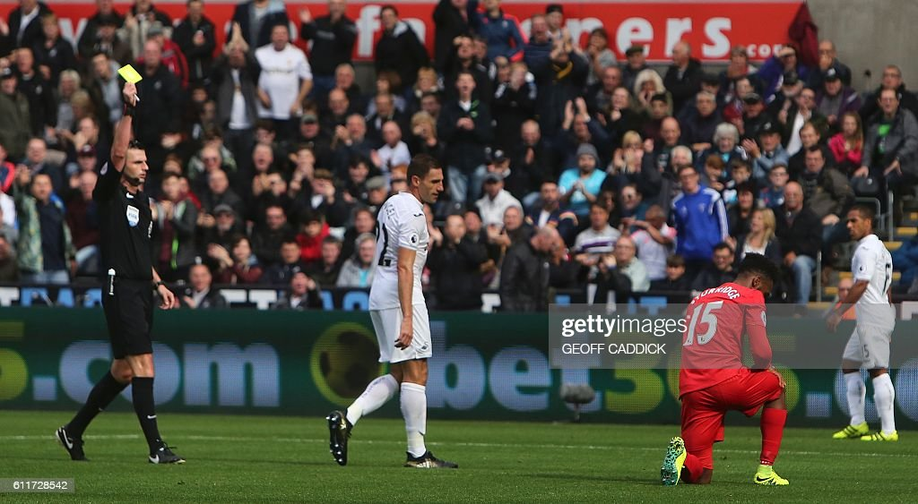 FBL-ENG-PR-SWANSEA-LIVERPOOL : News Photo