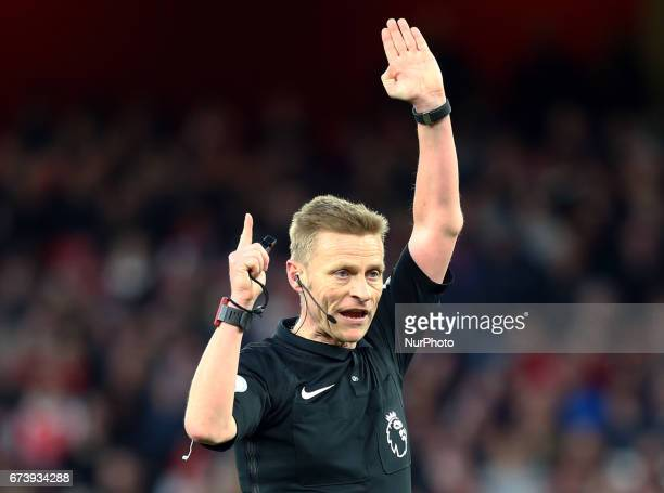 Referee Mike Jones during the Premier League match between Arsenal and Leicester City at Emirates stadium London England on 26 April 2017