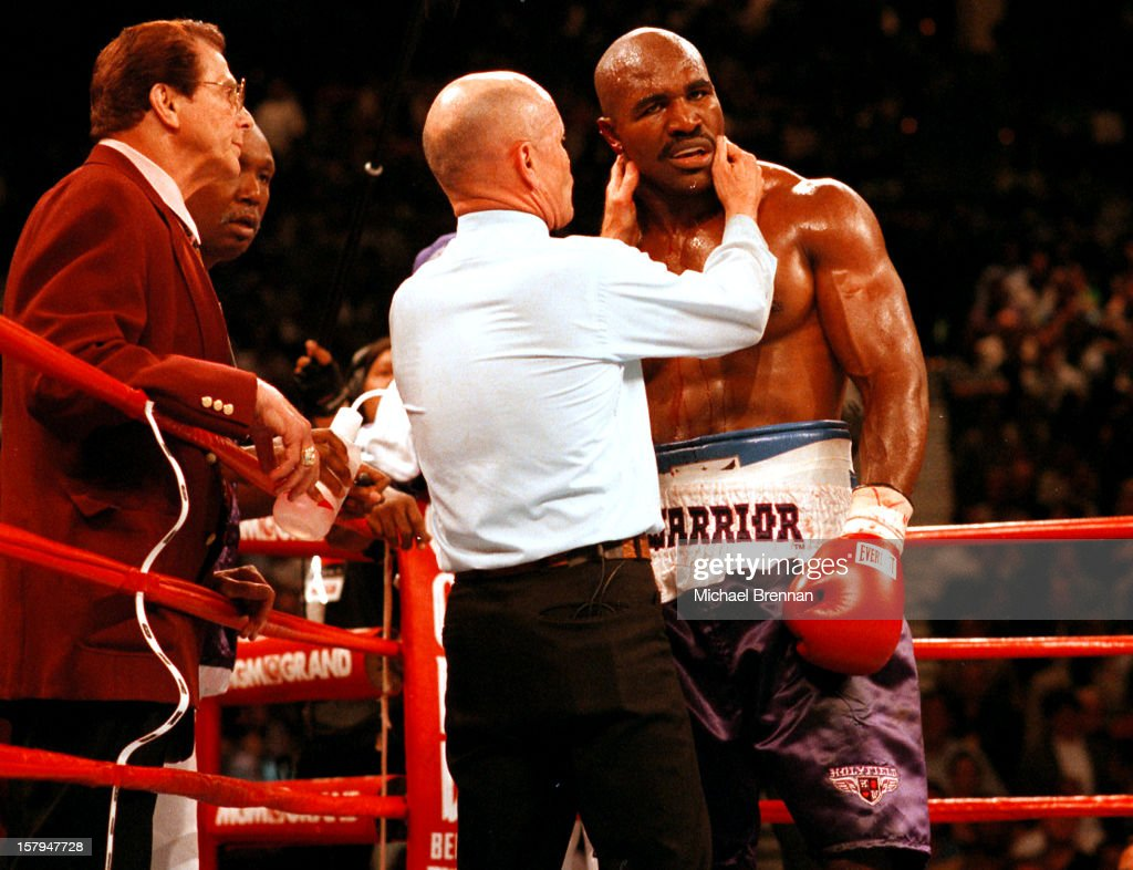 UNS: On This Day - June 28 - Mike Tyson Bites Hollyfield's Ear