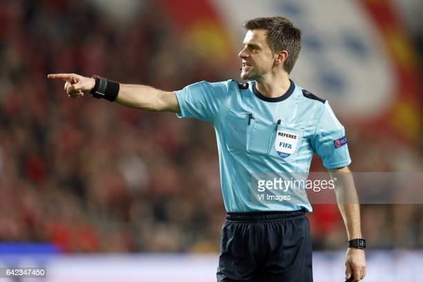 referee Nicola Rizzoliduring the UEFA Champions League round of 16 match between SL Benfica and Borussia Dortmund on February 14 2017 at Estádio da...