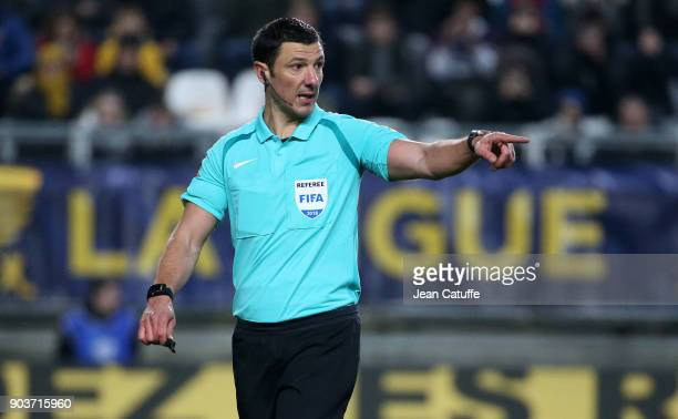 Referee Nicolas Rainville during the French League Cup match between Amiens SC and Paris Saint Germain at Stade de la Licorne on January 10 2018 in...