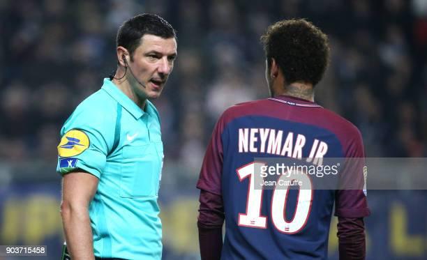 Referee Nicolas Rainville Neymar Jr of PSG during the French League Cup match between Amiens SC and Paris Saint Germain at Stade de la Licorne on...