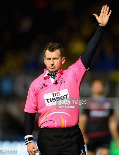 Referee Nigel Owens during the European Rugby Champions Cup match between Saracens and ASM Clermont Auvergne at Allianz Park on December 11 2017 in...