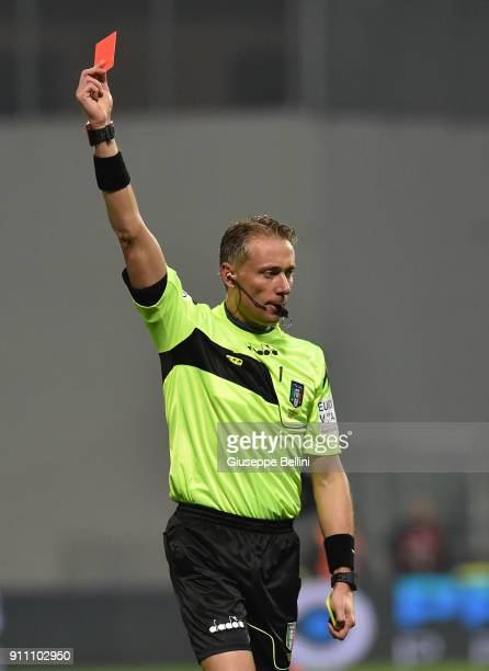 Referee Paolo Valeri shows the red card to Edoardo Goldaniga of US Sassuolo during the serie A match between US Sassuolo and Atalanta BC at Mapei...