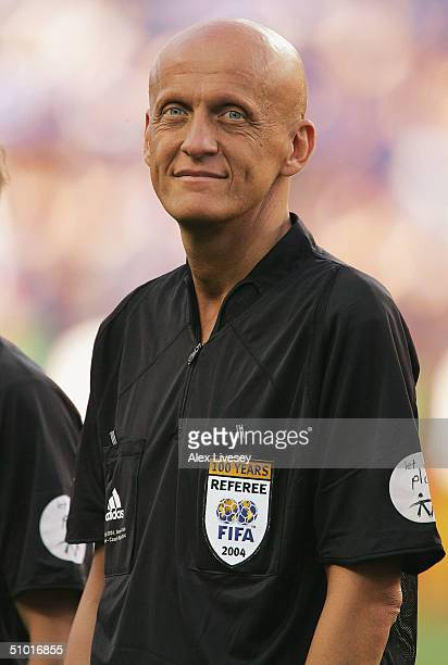 Referee Pierluigi Collina of Italy lines up during the UEFA Euro 2004 Semi Final match between Greece and Czech Republic at the Dragao Stadium on...