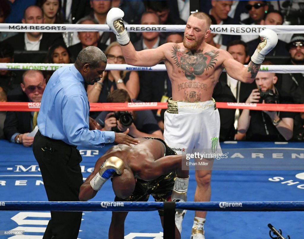Floyd Mayweather Jr. v Conor McGregor : News Photo