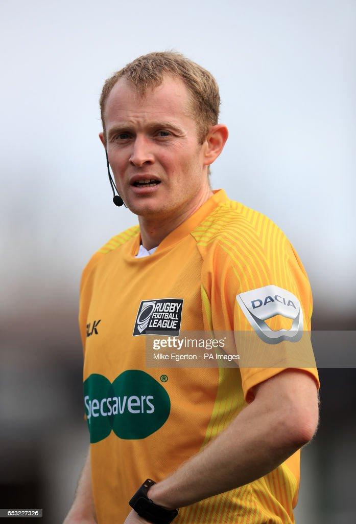 Referee Robert Hicks