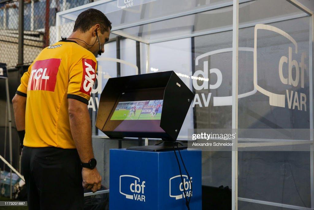 Santos v Athletico PR - Brasileirao Series A 2019 : Fotografia de notícias