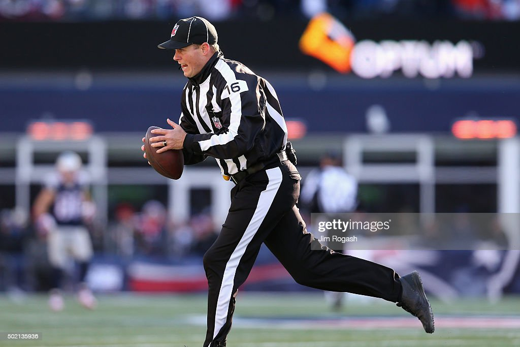 Tennessee Titans v New England Patriots : News Photo