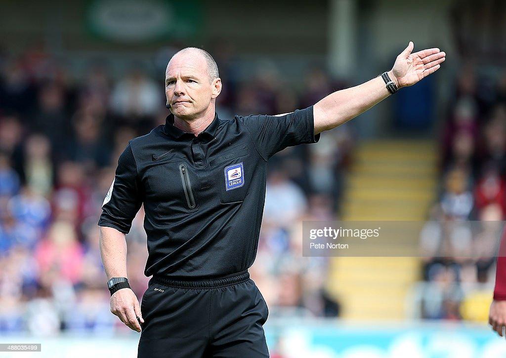 Northampton Town v Oxford United - Sky Bet League Two : News Photo