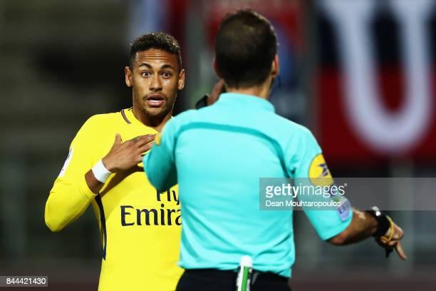 Referee Sebastien Desiage speaks to Neymar Jr of Paris SaintGermain Football Club or PSG during the Ligue 1 match between Metz and Paris Saint...