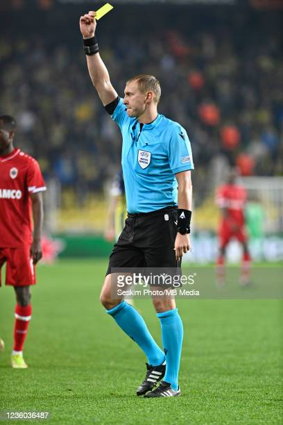 Referee Sergey Ivanov during the UEFA Europa League group D match between Fenerbahce and Royal Antwerp FC at sukru Saracoglu Stadium on October 21,...