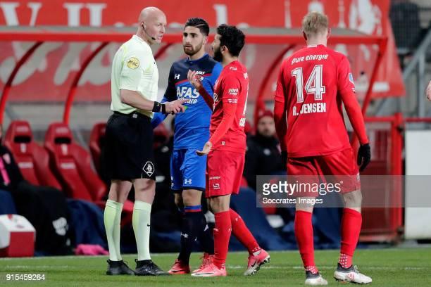 referee Siemen Mulder Alireza Jahanbakhsh of AZ Alkmaar Cristian Cuevas of FC Twente during the Dutch Eredivisie match between Fc Twente v AZ Alkmaar...