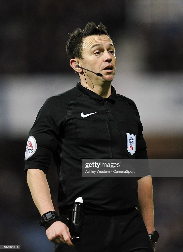 Referee Simon Hooper during the Sky Bet Championship match between Queens Park Rangers and Ipswich Town at Loftus Road on January 2, 2017 in London, England.
