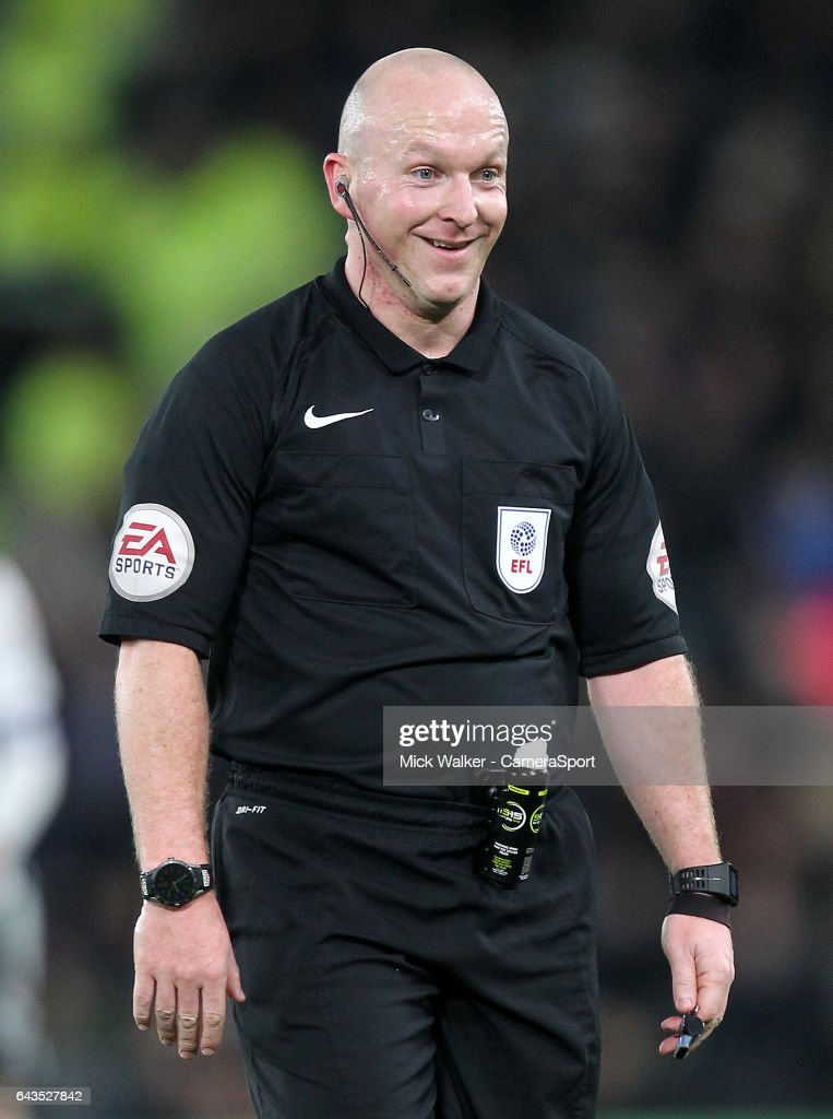 Referee Simon Hooper during the Sky Bet Championship match between Derby County and Burton Albion at iPro Stadium on February 21, 2017 in Derby, England.