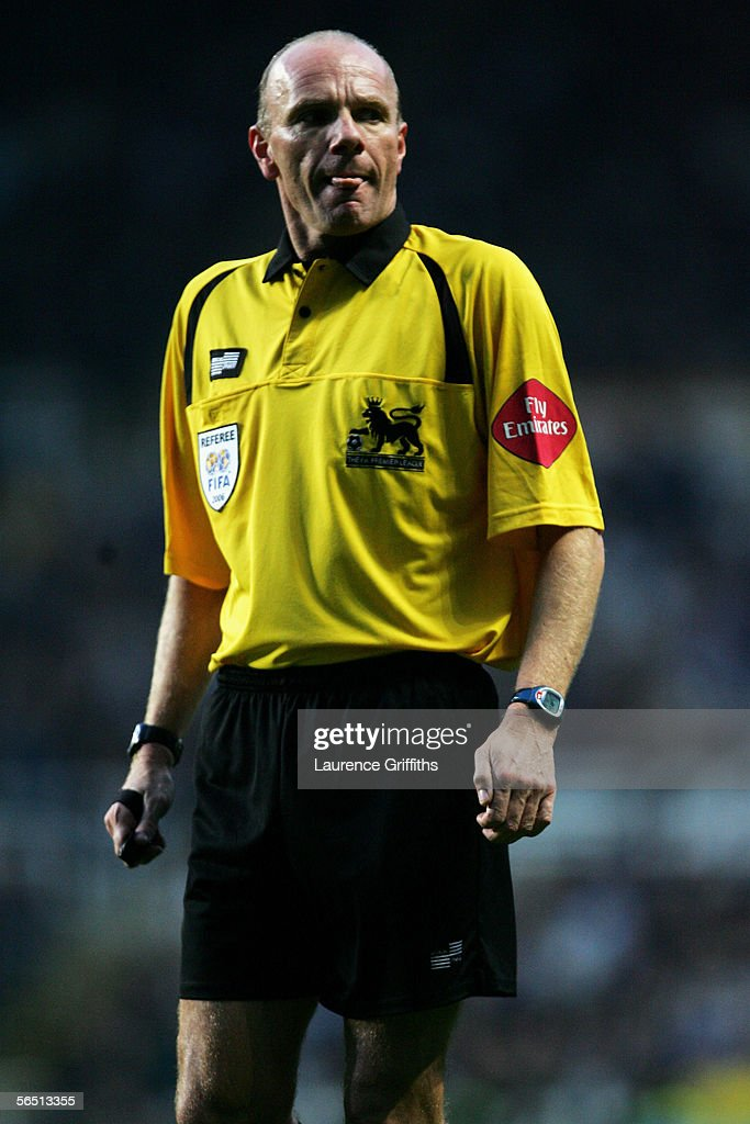 Referee Steve Bennett in action during the Barclays Premiership match between Newcastle United and Middlesbrough on January 2, 2006 at St James Park in Newcastle, England.