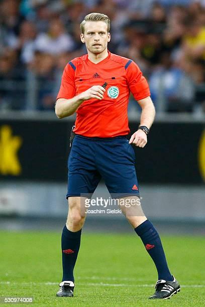 Referee Sven Waschitzki during the German U19 Championship Semi Final First Leg match between Borussia Dortmund and 1860 Muenchen at Signal Iduna...