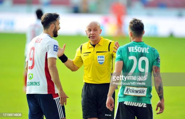 Referee Szymon Marciniak reacts during the PKO Ekstraklasa match between Gornik Zabrze and Legia Warszawa on June 14, 2020 in Zabrze, Poland.