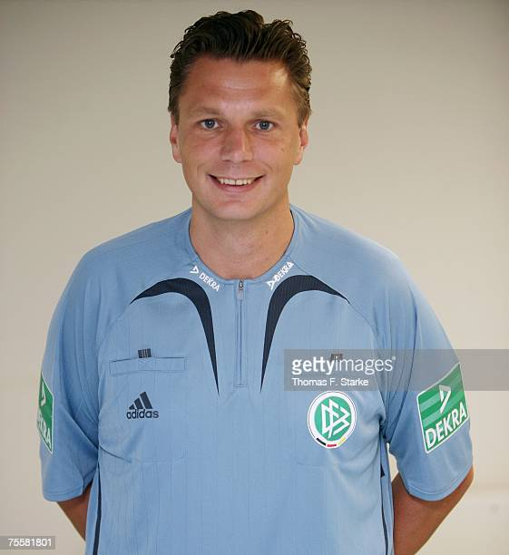 Referee Thorsten Kinhoefer poses ahead of the Premiere Liga Cup match between FC Schalke 04 and Karlsruher SC at the LTU Arena on July 21, 2007 in...