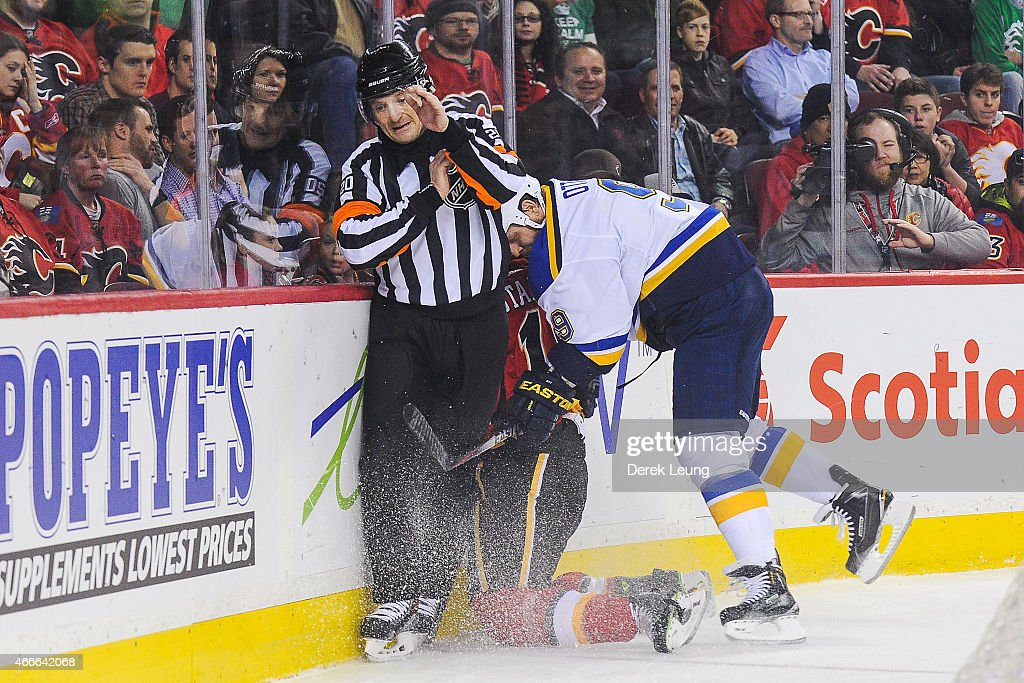 St Louis Blues v Calgary Flames : ニュース写真