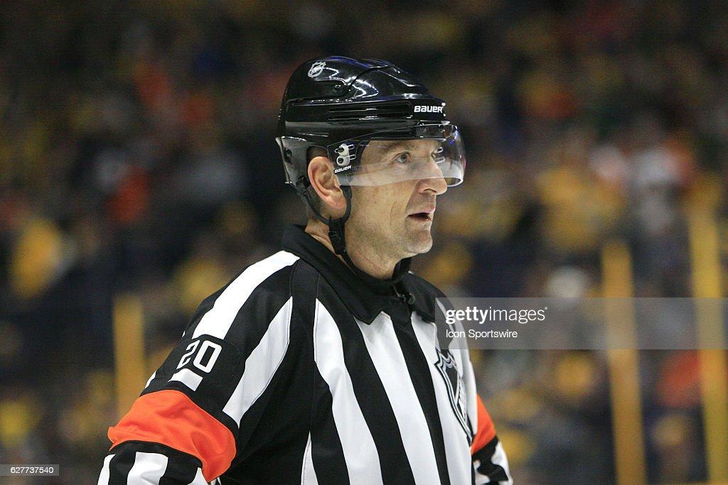 NHL: DEC 04 Flyers at Predators : News Photo