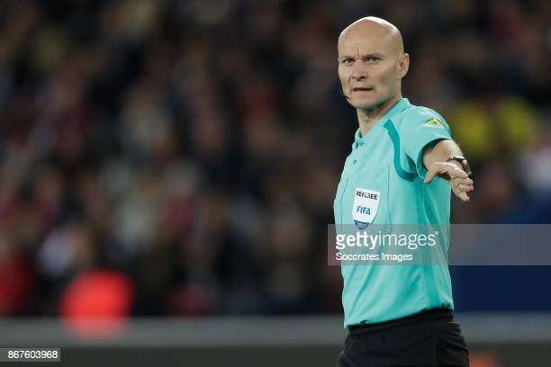 referee Tony Chapron during the French League 1 match between Paris Saint Germain v Nice at the Parc de Princes on October 27 2017 in Paris France