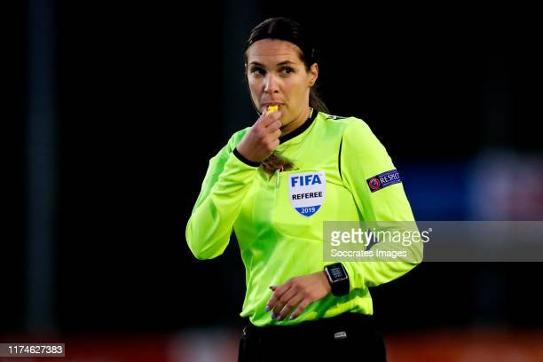 'SGRAVENZANDE NETHERLANDS OCTOBER 8 referee Vesna Budimir during the U19 Women match between Ireland Women U19 v Holland Women U19 at the Sportpark...