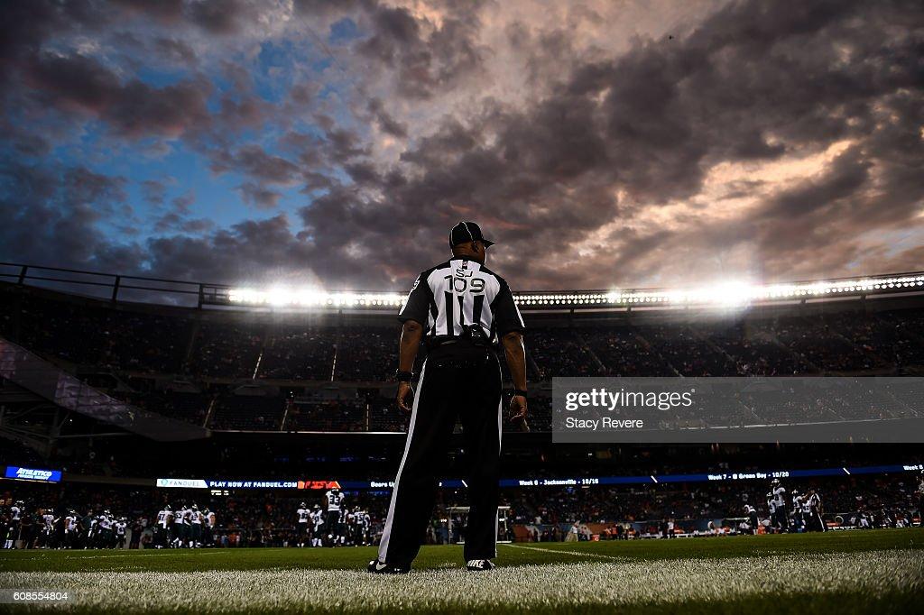 Philadelphia Eagles v Chicago Bears : News Photo