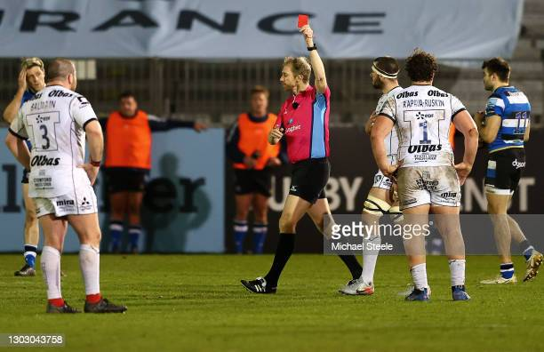 Referee Wayne Barnes shows the red card to Val Rapava-Ruskin of Gloucester during the Gallagher Premiership Rugby match between Bath and Gloucester...