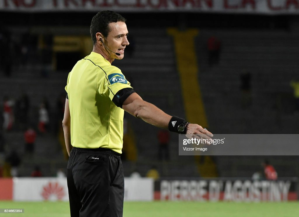 Referee Wilmar Roldan in action during a match between Independiente Santa Fe and Once Caldas as part of the 5th round of the Liga Aguila II 2017 at Nemesio Camacho Stadium on July 30, 2017 in Bogota, Colombia.
